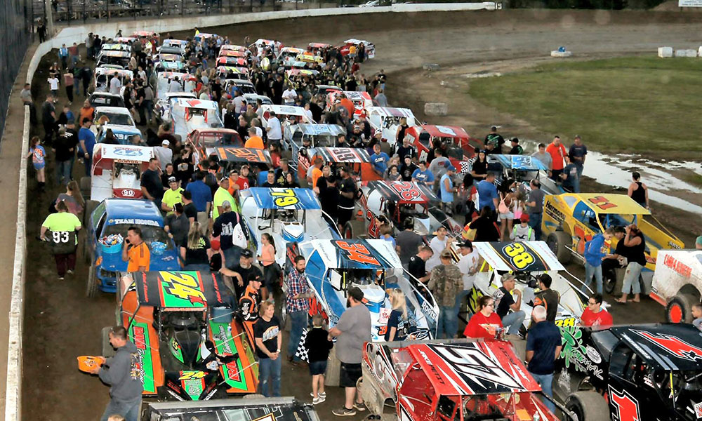 Read more about the article Dirt Racing Resumes at Fulton, Brewerton Tracks